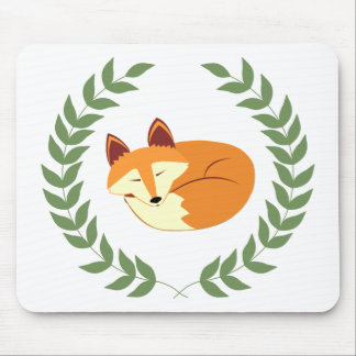SchlafenFox mit Lorbeer-Kranz Mousepad