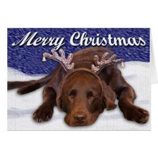 Schlafenschokoladen-Labrador mit Geweih-Fotografie Karte