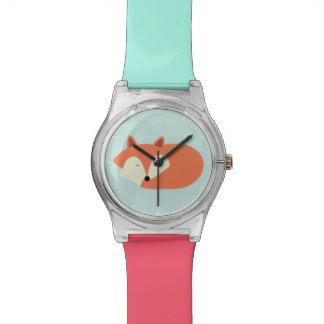 Schläfriger roter Fox Uhr