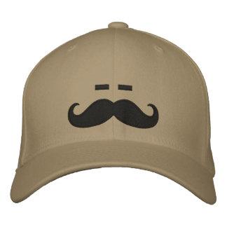Schläfriger Schnurrbart Bestickte Kappe