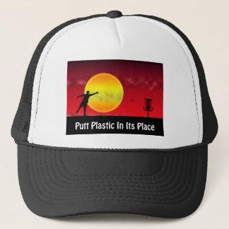 Schlag-Plastik in seinem Platz Truckerkappe