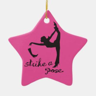 Schlagen Sie einen Pose ~ Tänzer u. Yoga ein Keramik Ornament