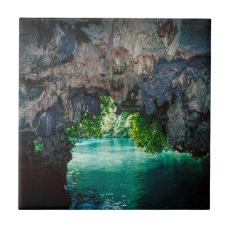 Schläger-Höhle in Airai, Palau, Mikronesien Fliese