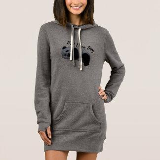 Schlechtes Aufflackern-Tagespanda-Sweatshirt lang Kleid