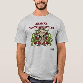 Schlechtes Hombre mit dem Schädel, den Dornen und T-Shirt
