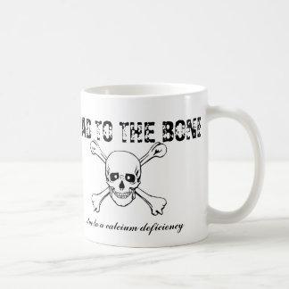 Schlechtes zum Knochen… wegen eines Kalziummangels Kaffeetasse