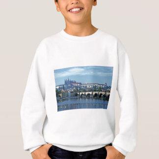 Schloss Tom Wurl.jpg Charless Brdge Prag Sweatshirt