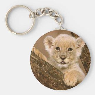 Schlüsselkette: Baby-Löwe-Schlüsselkette Standard Runder Schlüsselanhänger