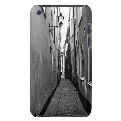 Schmale Straße in Stockholm iPod Case-Mate Hülle