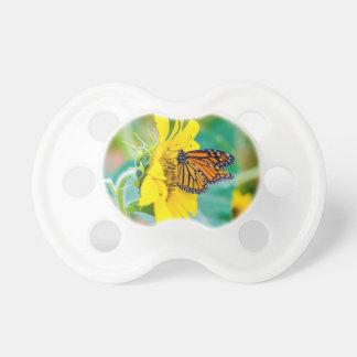 Schmetterling auf einer Sonnenblume Schnuller