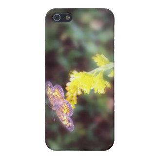 Schmetterling auf GoldrutenBlumen Etui Fürs iPhone 5