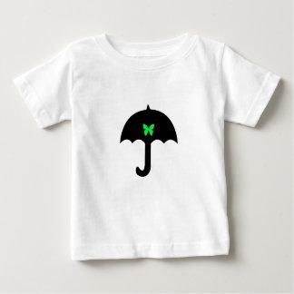 Schmetterling im Regenschirm Baby T-shirt