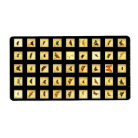 Schmetterlinge auf hölzernen Quadraten