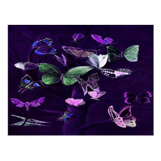Schmetterlinge auf Lila Postkarte