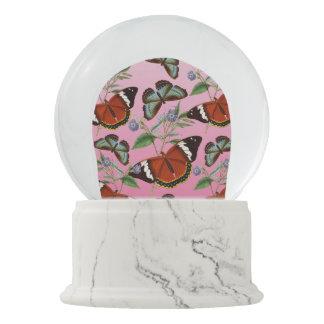 Schmetterlinge mischen Rosa Schneekugel
