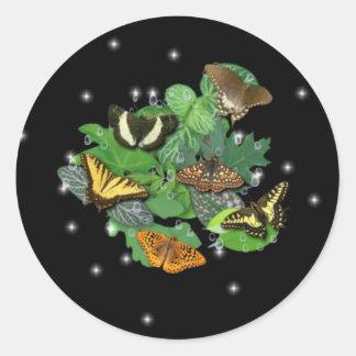 Schmetterlinge mit Blätter, Regentropfen, Sterne Runder Aufkleber
