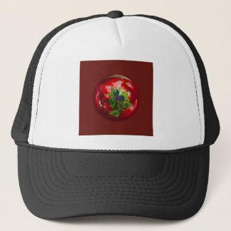 Schmetterlings-Kugel mit roten Beeren Truckerkappe