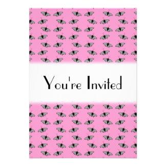 Schmetterlings-Muster auf Rosa Individuelle Ankündigskarten