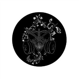 Schmutz-Blumengasmaske Runde Wanduhr