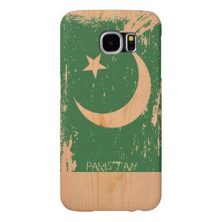 Schmutz-Pakistan-Flagge auf Holz