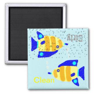 Schmutzige saubere Spülmaschinenmagneten - blaue g Kühlschrankmagnete