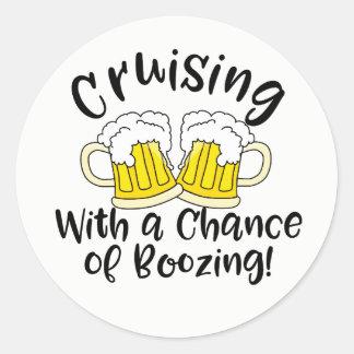 Schnaps-Kreuzfahrt lustiges Crusing trinkendes Runder Aufkleber