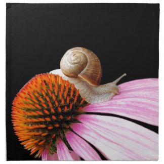 Schnecke auf einer Blume Serviette