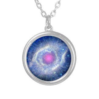 Schneckennebelfleck-ultraviolettes Auge des Versilberte Kette