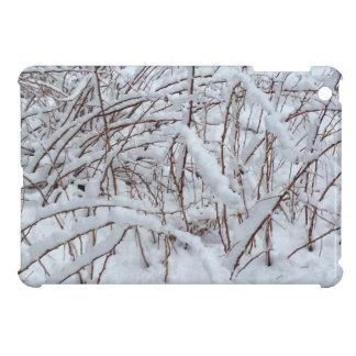 Schnee auf einem Himbeerflecken --- iPad Mini Hülle