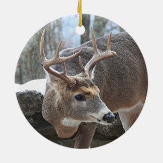 Schnee auf Kirschblüten/Winter-Hirsch Rundes Keramik Ornament