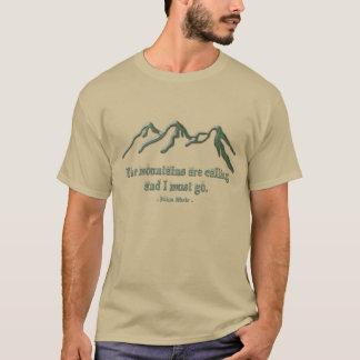 Schnee gespitzte mtns sind NennenJohn Muir T-Shirt