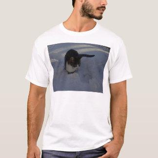 Schnee-Kätzchen T-Shirt