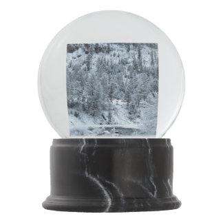 "Schnee-Kugel ""Morgen bei Yellowstone "" Schneekugel"