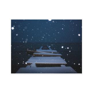schneebedeckter Pier an der Dämmerung Leinwanddruck