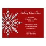Schneeflocke auf roter Feiertags-offenes Einladungskarte