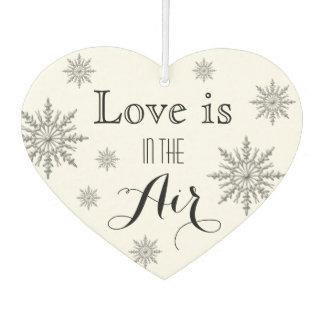 Schneeflocke-Liebe ist in der Autolufterfrischer