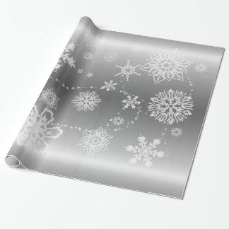 Schneeflocken auf Silber Geschenkpapier