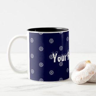 Schneeflocken und Ihr Name hier Zweifarbige Tasse