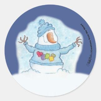 """Schneemann-Weihnachten ist """"der nahe Schnee"""" Runder Aufkleber"""