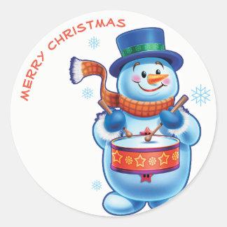 Schneemannschlagzeuger Weihnachtsaufkleber Runder Aufkleber