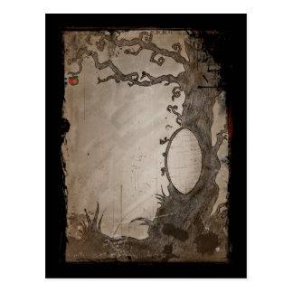 Schneewittchens magischer Spiegel-Baum Postkarte