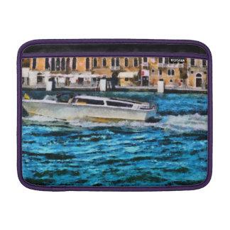 Schnelles Boot in Venedig Sleeve Fürs MacBook Air