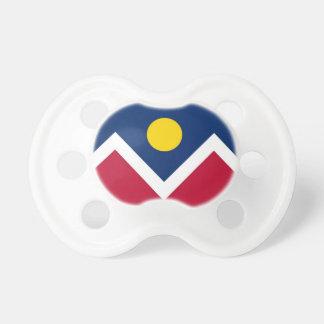 Schnuller mit Flagge von Denver-Stadt, Colorado,