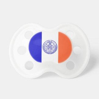 Schnuller mit Flagge von New York, USA