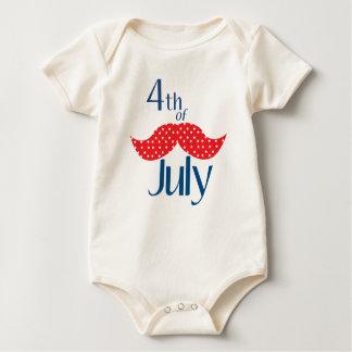Schnurrbart Juli 4. Baby Strampler