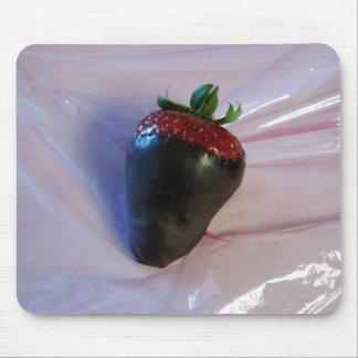 Schokolade bedeckte Erdbeere Mauspads