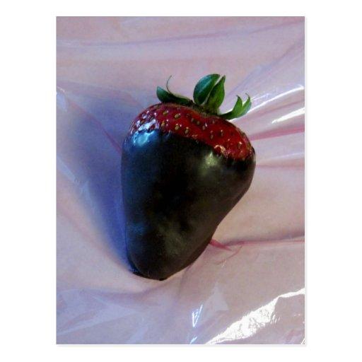 Schokolade bedeckte Erdbeere Postkarte