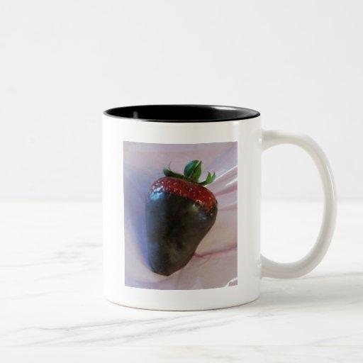 Schokolade bedeckte Erdbeere Tee Tasse