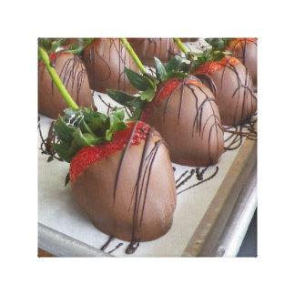 Schokolade bedeckte Erdbeeren wickelten Leinwand e Gespannter Galeriedruck