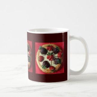 Schokolade bedeckte Erdbeerkäsekuchen-Tasse Tasse